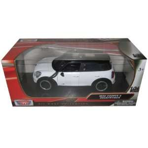 Mini Cooper S Countryman White 1/24 by Motormax 73353